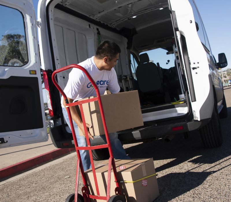 GoShare-Delivery-Pro-Loading-Cargo-Van-800x700